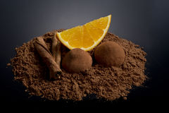 Оранжевый этап с какао и циннамоном Стоковая Фотография