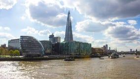 Организации бизнеса и Река Темза, панорамный взгляд, Лондон, Великобритания, промежуток времени сток-видео