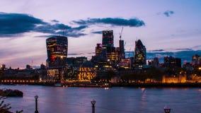 Организации бизнеса и Река Темза, панорамный взгляд, Лондон, Великобритания, промежуток времени акции видеоматериалы