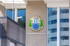 Организация для запрета химических оружий строя Гаагу Нидерланд стоковые изображения rf