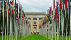 Организация Объединенных Наций строя с флагами, Женевой, Швейцарией, 4K видеоматериал