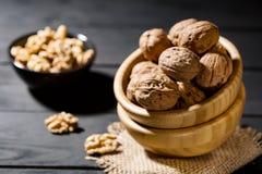 Органическая здоровая еда и очистить еду таких грецких орехов a стоковая фотография