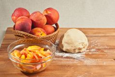 Органические ингридиенты для домодельного пирога персика Стоковое Изображение RF