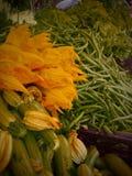 Органические овощи на рынке фермеров Стоковое Изображение RF