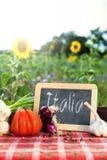 Органические овощи на таблице Стоковая Фотография RF