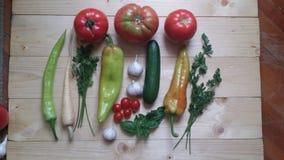 Органические овощи на таблице Стоковые Изображения