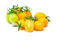 Органический желтый томат виноградины стоковая фотография rf