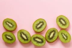 Органический зеленый отрезанный плодоовощ кивиа Стоковые Изображения RF