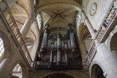 Орган в церков St Etienne-du-Mont Стоковые Фото