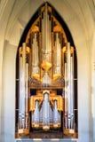 Орган трубы мира известного Hallgrimskirkja в Рейкявике, Исландии стоковые изображения