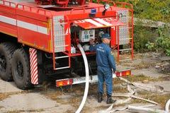 Орел, Россия - 28-ое августа 2015: Пожарная машина в b эксплуатируемом действием Стоковые Фото