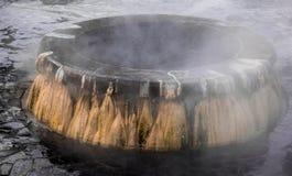 Ориентир ориентир горячих источников гейзера на общественном парке Raksawarin в Ranong, Стоковые Фотографии RF