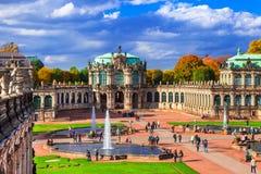 Ориентир ориентиры Германии - музея и парка Zwinger в красивом Dres стоковое изображение