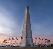 Ориентир ориентир памятника Вашингтона на заходе солнца Стоковые Фотографии RF