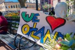 ОРЛАНДО, США - 5-ОЕ МАЯ 2017: Место где Омар Mateen, убитое 49 человек и раненный 53 другим в ненависти теракта Стоковые Изображения RF
