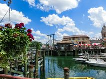Орландо, Флорида, США - 10-ое мая 2018: челюсти акулы на студиях Universal парка Орландо курорт тематического парка внутри Стоковые Фотографии RF
