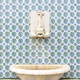 Орнаментальная керамика отличает в цвете Лиссабона фасадами buil Стоковые Изображения RF