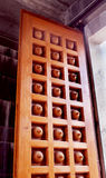 Орнаментальная дверь виска Стоковая Фотография RF