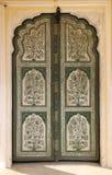 Орнаментальная дверь в дворце - Индии Стоковое Фото