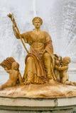 Орнаментальные фонтаны дворца Аранхуэса, Мадрида, Spain.Wo Стоковые Изображения