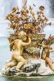 Орнаментальные фонтаны дворца Аранхуэса, Мадрида, Spain.Wo Стоковые Фотографии RF