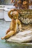 Орнаментальные фонтаны дворца Аранхуэса, Мадрида, Spain.Wo Стоковое Изображение