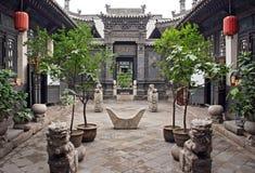 Орнаментальный двор исторического дома в Pingyao, Китае Стоковое Изображение RF