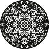 Орнаментальный круглый цветочный узор черно-белый Стоковое Изображение RF