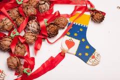 Орнаменты и украшение рождества на белой предпосылке Стоковая Фотография RF