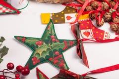 Орнаменты и украшение рождества на белой предпосылке Стоковые Изображения RF