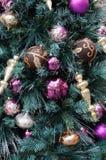 Орнаменты рождества на дереве Стоковая Фотография RF