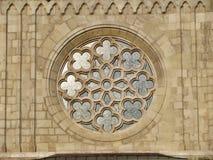 Орнаменты церков, окно в замке Buda в Венгрии, Будапеште стоковые изображения rf