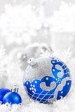 орнаменты handbell рождества ветви коробки шарика Стоковые Фотографии RF