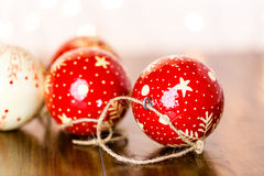 орнаменты handbell рождества ветви коробки шарика Стоковое фото RF