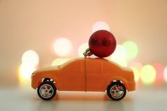 Орнамент рождества на автомобиле игрушки, жулике торжества праздника рождества Стоковые Фотографии RF