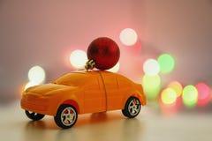 Орнамент рождества на автомобиле игрушки Стоковые Фотографии RF