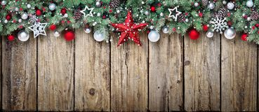 Орнамент рождества с ветвями ели стоковая фотография