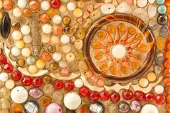 Орнамент стены мозаики декоративный от керамической сломанной плитки Стоковое Изображение RF