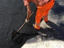 дорога асфальта работника в лете Стоковая Фотография RF