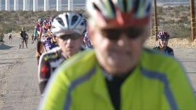 дорога гонки пущи велосипедиста bike сток-видео