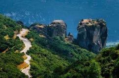 ? дорога urve к монастырю святой троицы, Meteora, Греции Стоковые Фото