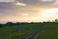 2 дороги среди лугов Стоковое Изображение