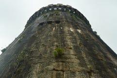 Орудийная башня от бортового фасада замка Butron, замок безграничности построенный в средних возрастах Перемещение истории архите Стоковые Изображения RF