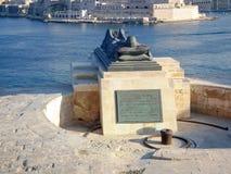 Осада войны мемориальная близко припарковать более низкие сады Barrakka в городе Валлетты, Мальте Стоковая Фотография