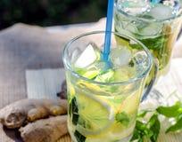 Освежающий напиток с лимоном и имбирем Стоковые Изображения RF