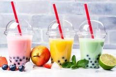 Освежая домодельный замороженный milky чай пузыря с тапиокой pearls стоковое изображение rf