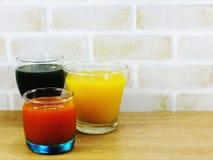 Освежения и лето предпосылки фруктовых соков Стоковая Фотография