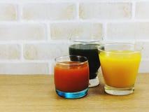 Освежения и лето предпосылки фруктовых соков Стоковые Фото