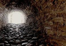 Осветите в конце тоннеля в иллюстрации надежды и везения стоковое фото