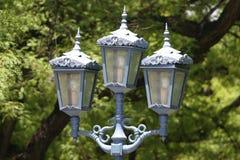 освещает богато украшенный улицу стоковое изображение